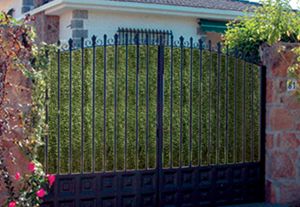 artificial grass screening for chain link fence