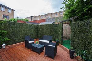 artificial outdoor hedges for backyard design